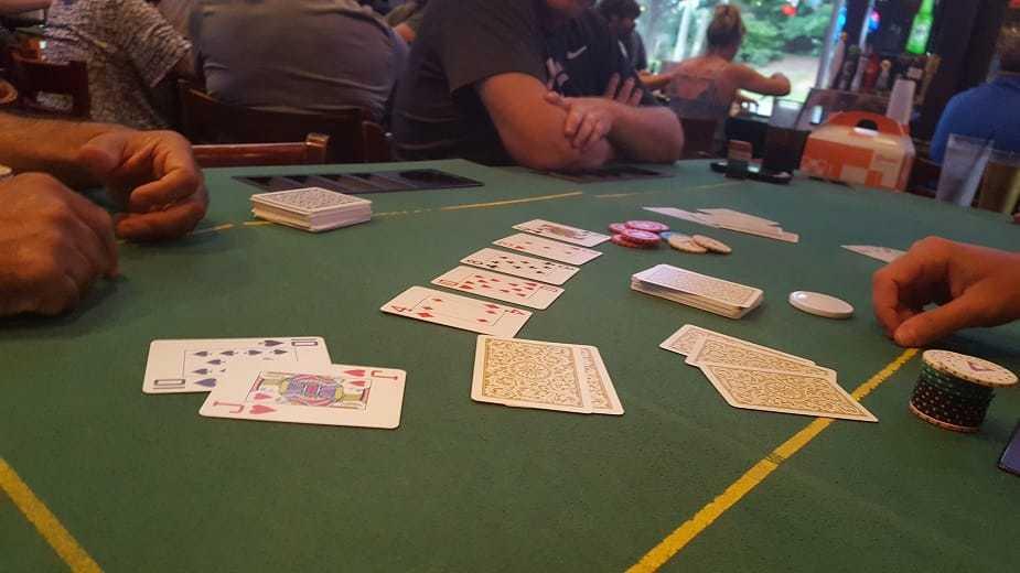 Live Poker Showdown