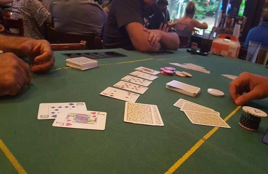 Who Shows Their Cards First in a Poker Showdown?