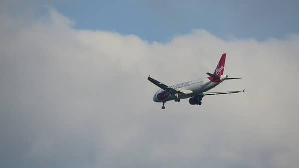 Pesawat Terbang ke Jarak Jauh